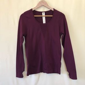 Fabletics purple long sleeve top with thumb holes